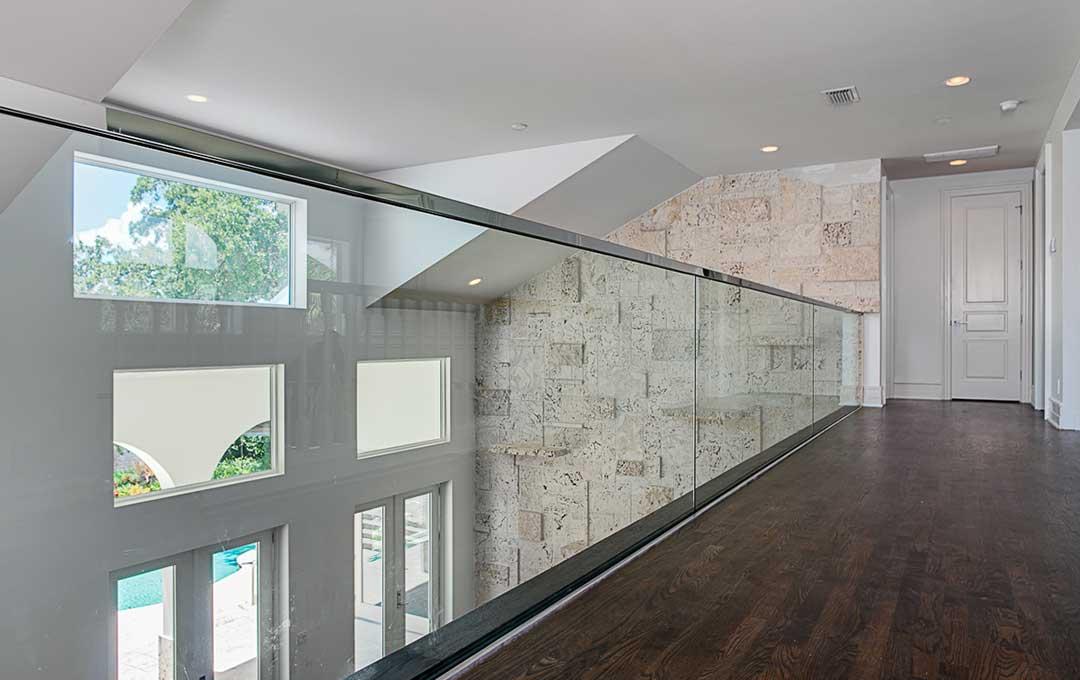 build luxury homes